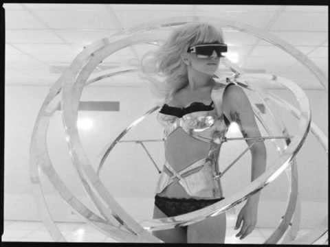 Lady Gaga Bad Romance electronic remix