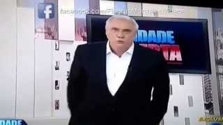 Apresentador Coçando o Saco Ao Vivo (Marcelo Rezende do Cidade Alerta Rede Record)