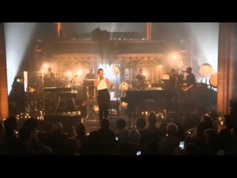 Alicia Keys-- You Don't Know My Name (Live At Manchester Cathedral)