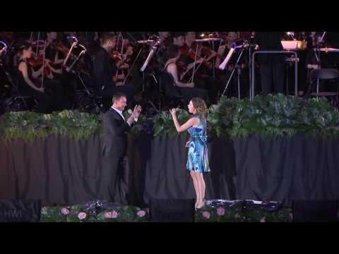 Pokarekare Ana - Hayley Westenra & Russell Watson (World Games 2009 - High Definition)
