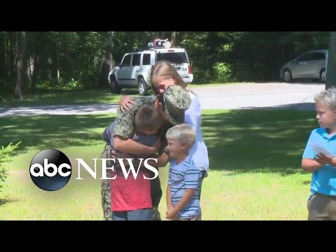 The Randy, Jamie and Jojo Show  - Soldier Surprises Family At School
