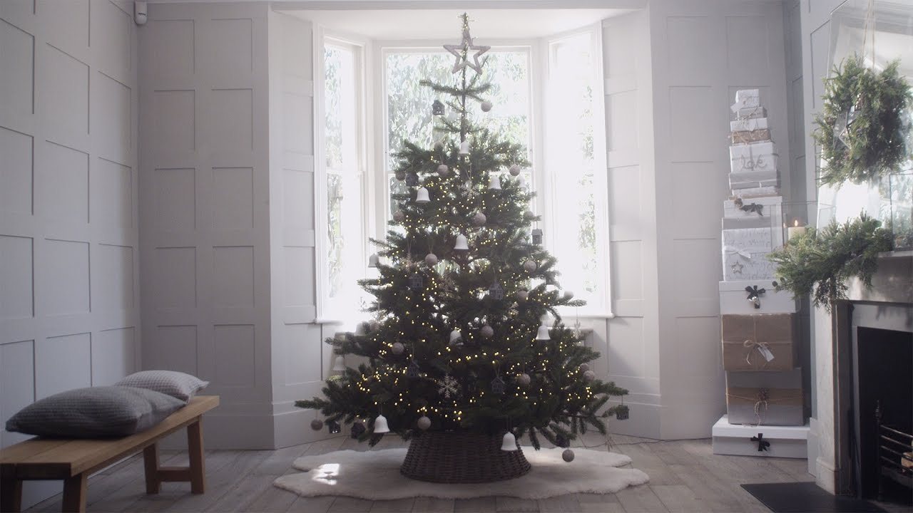 Tips To Decorate Christmas Tree