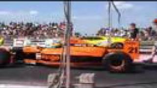 Lamborghini Diablo vs. Arrows Formula 1 2002 drag race