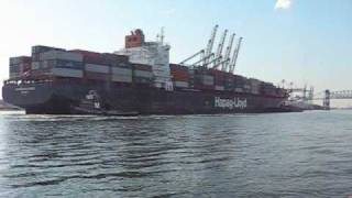 Hapag-Lloyd Ship Docking