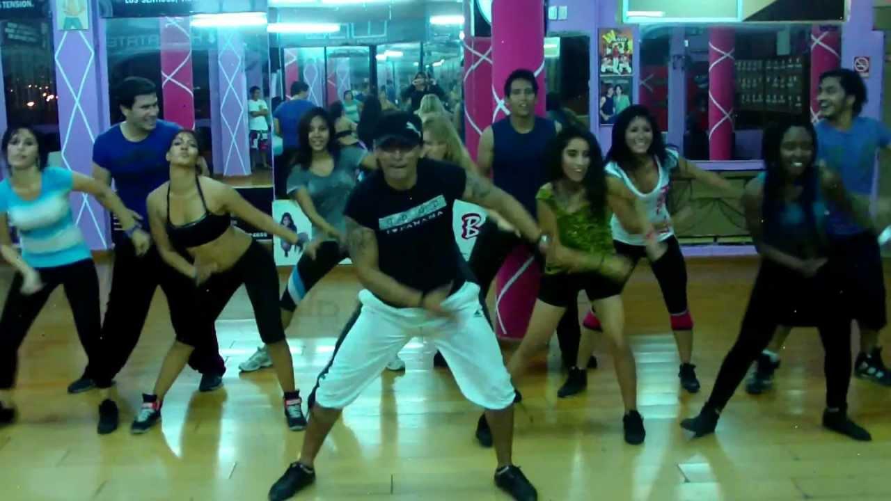 Clase de bailoterapia - Las Rochas y Chetas - Wilson Dance Show 2013 -  YouTube