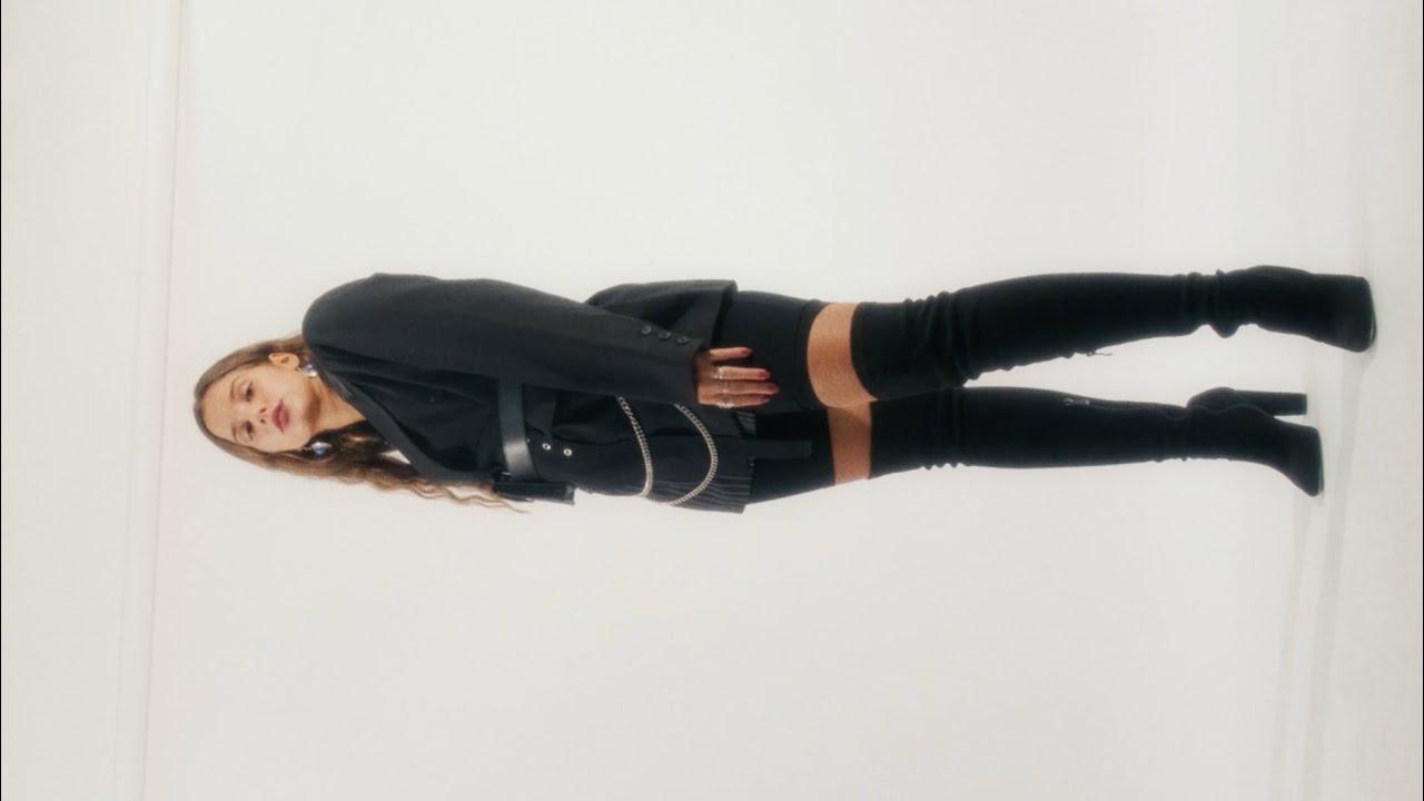 Bianca Costa - Cabeza (Lyrics Video)