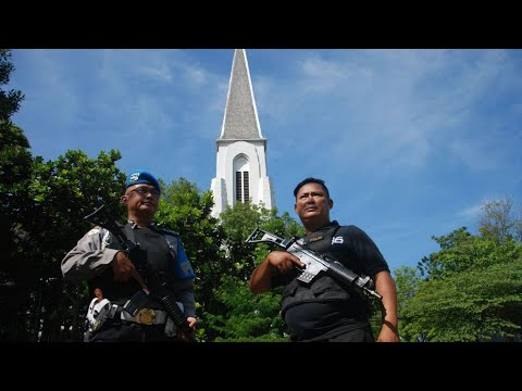 Indonesia: Suicide bombers target three Surabaya churches in deadly attacks