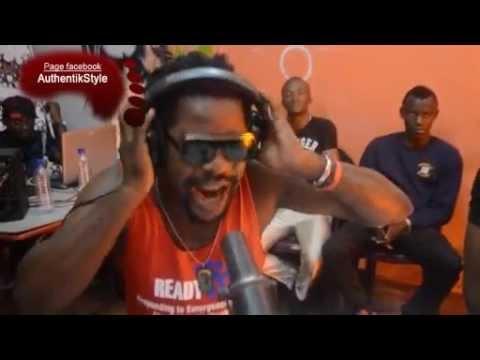 MAPIPO Yeyo Paya Nku Paya performance chez AUTHENTIK STYLE