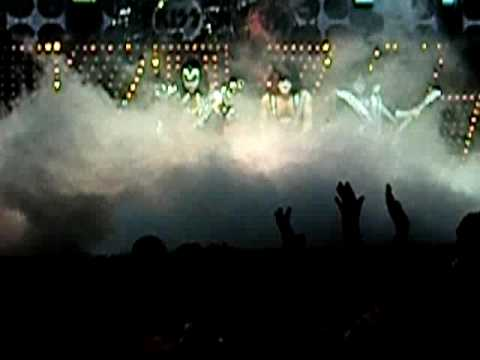 KISS @Hampton Coliseum Oct 16th 2009   Opening song   Deuce