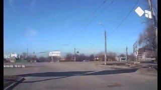 Солнечный февральский день в Луганске 2016(Жизнь города Луганска в солнечный февральский день 15.02.2016 На видеорегистраторе не правильная дата и время., 2016-02-16T22:05:01.000Z)