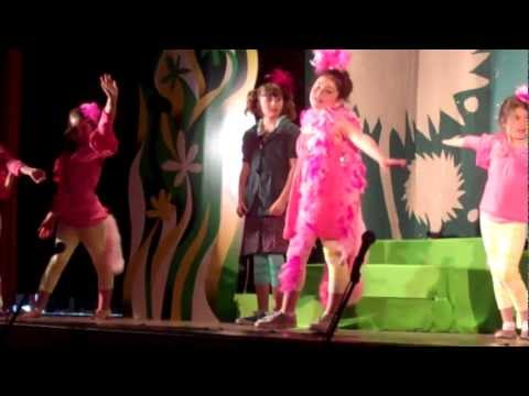Nikki Shaw and Luca Bisharat-Gunderson in Seussical at Lafayette Elementary School