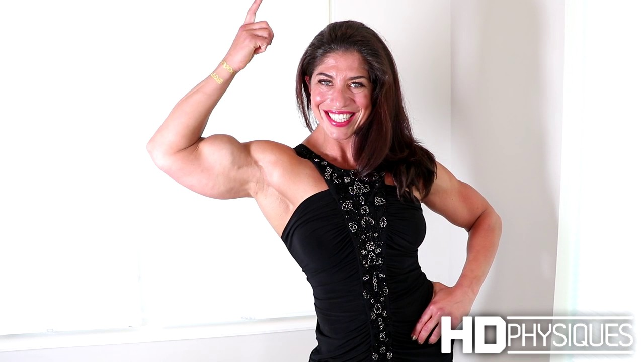 HUGE Female Muscle - Gillian at HDPhysiques - YouTube
