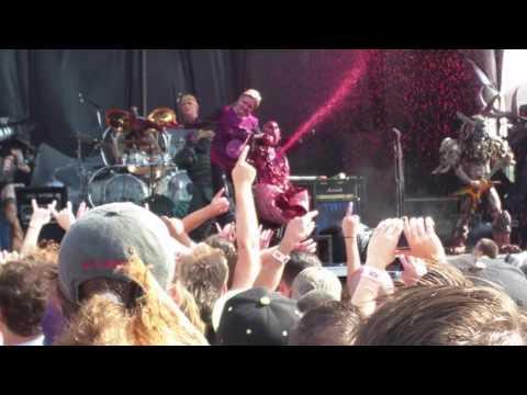 GWAR - Hilary Clinton vs. Donald Trump - Riot Fest Chicago 2016