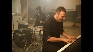Raphael Gualazzi & The Bloody Beetroots -- Liberi O No (Official Videoclip) / SANREMO 2014