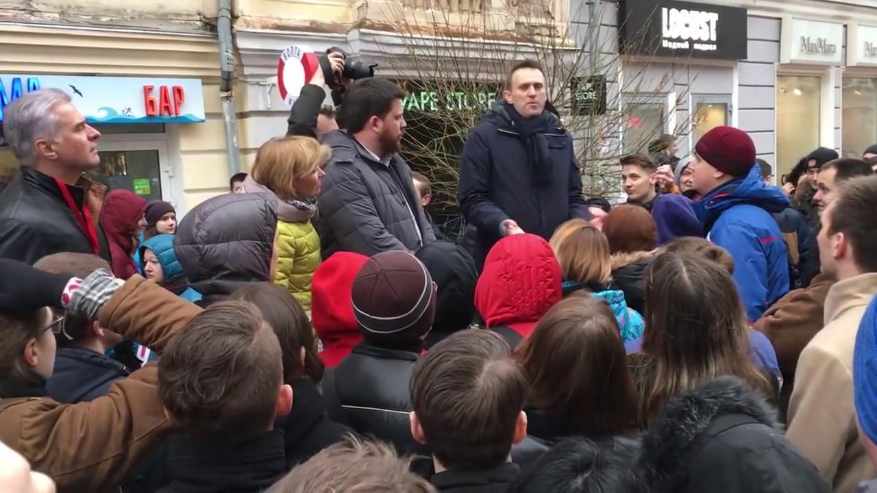 Шендерович прошелся по Навальному: место такой «элиты» - в автозаке