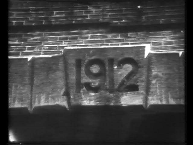 Tren de pasajeros FC Sarmiento vía túnel del FCO (1949)