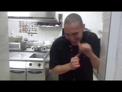 Застряла на кухне видео признать