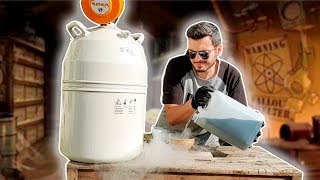 Será que é possível congelar Gasolina usando Nitrogênio Líquido? (EXPERIMENTO)