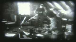 Neil Finn & Friends - Last To Know (live in Auckland 2001 - promo video)