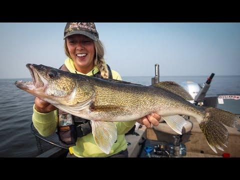Walleye Fishing For A $32,000 Prize! Kenora Walleye Open