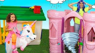 👋🏻 LIBRAS 👋 Valentina pontes Finge Brincar De Vizinhas Com Casas De Brinquedos