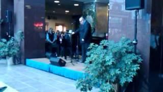 "Ronan Tynan performs ""Hallelujah"""