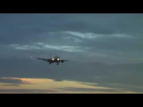 KLIA - Melihat Kapal Terbang Mendarat