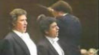 Placido Domingo & Sherrill Milnes sing Solenne in quest'ora