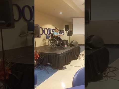 Wheelchair Traveler delivers keynote speech