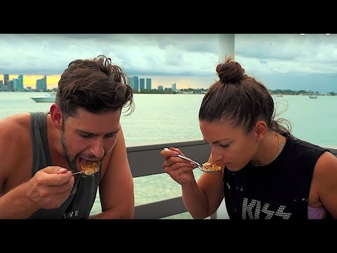 NATIONAL DISH OF THE PHILIPPINES - TRYING CHICKEN ADOBO FOR FIRST TIME - MIAMI BEACH VLOG