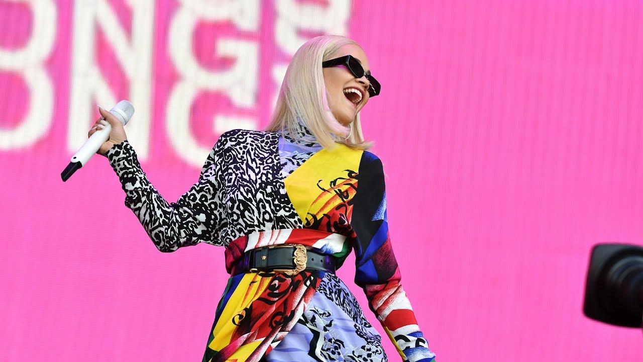 Download Rita Ora - Anywhere (Radio 2 Live in Hyde Park)