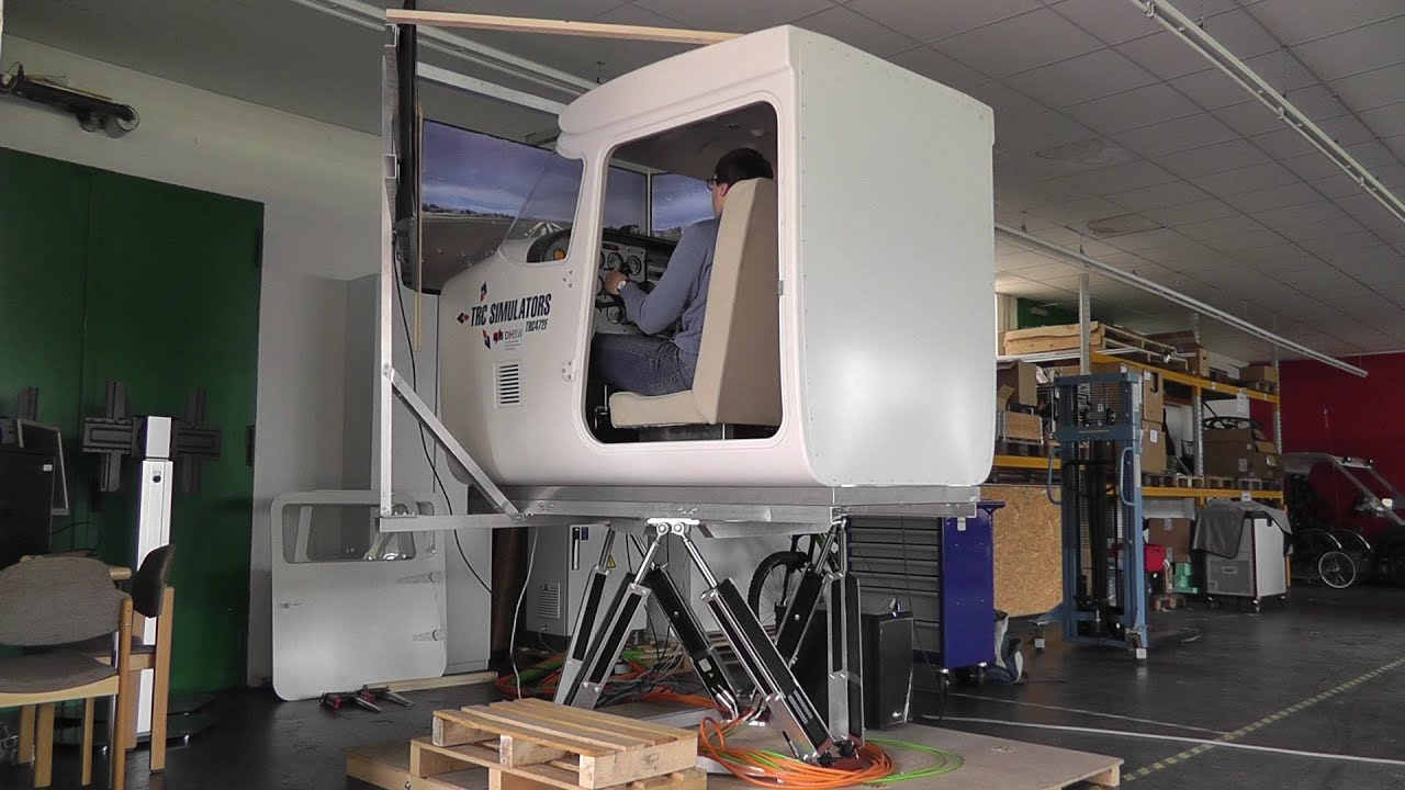 cessna 172 full motion flight simulator thunderstorm. Black Bedroom Furniture Sets. Home Design Ideas