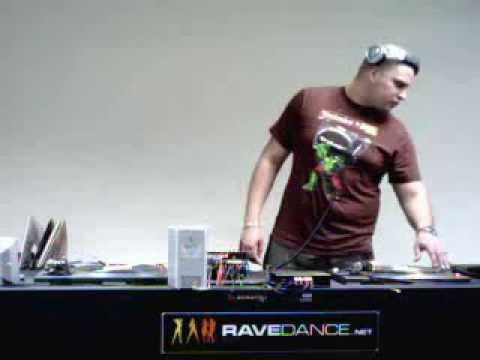 DJ Brown B UK Garage Show Live On RaveDance Internet Radio www.ravedance.net March 2009 Part 2