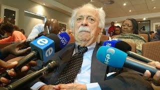 George Bizos breaks down remembering Ahmed Kathrada