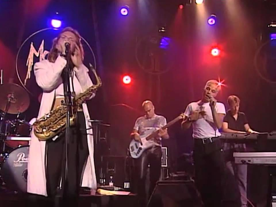 candy-dulfer-i-cant-make-you-love-me-montreux-1998-mrakdnt