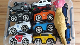 Chicken with Cars for Kids Playing with moving cars Video for Kids