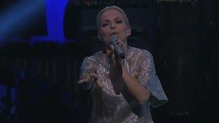 QX-galan: Petra Marklund - Händerna mot himlen - QX Gaygalan (TV4 Play)