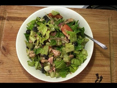 Romaine and Salmon Salad with Pumpkin seed oil - Clean eating