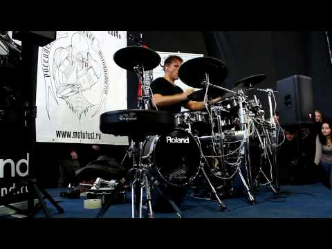 "Thomas Lang drum clinic на выставке ""Музыка-Москва 2013"""