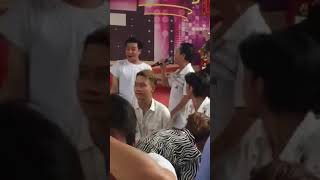 Tuấn Kiệt HKT song ca cùng chú Bình