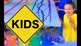 Learn English Colors! Rainbow Paint Ball Splash with Sign Post Kids!