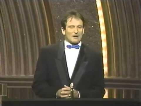 ROBIN WILLIAMS OPENS THE 1986 OSCARS