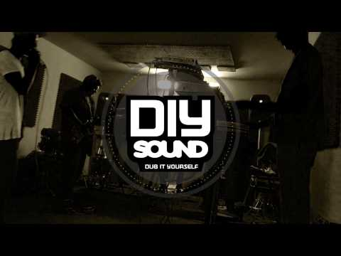 DIY SOUND - Twist / Falling Up [SRRF002] (TEASER / OUT SOON ON SOUNDRISING RECORDS)