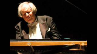 Ravel - Le Tombeau de Couperin (III. Forlane) - Sokolov