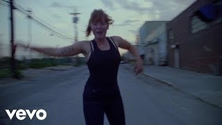 Sylvan Esso - The Glow (music video)