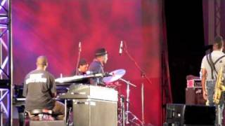 Q-Tip- You (Live at Lincoln Center Out of Doors, Damrosch Park Bandshell)