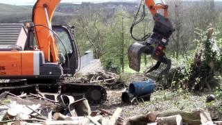 D & M Barnett Plant Hire 13T 360° Degrees Excavator With Grab