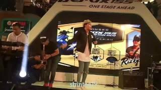 Video Rizky Febian at Solo Grand Mall (Kesempurnaan Cinta & Penantian Berharga) download MP3, 3GP, MP4, WEBM, AVI, FLV Agustus 2017