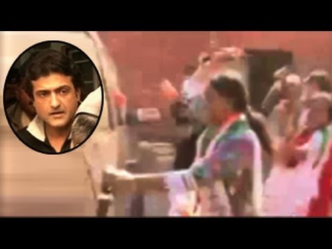 Armaan Kohli ATTACKED with TOMATOES at Bigg Boss 7 House