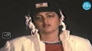 Donga Mogudu Movie - Chiranjeevi, Radhika Funny Scene
